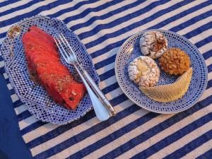 Ensalada de fruta y pastelitos marroquíes